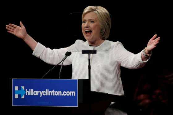 Hillary Clinton se impone también en las primarias demócratas de California