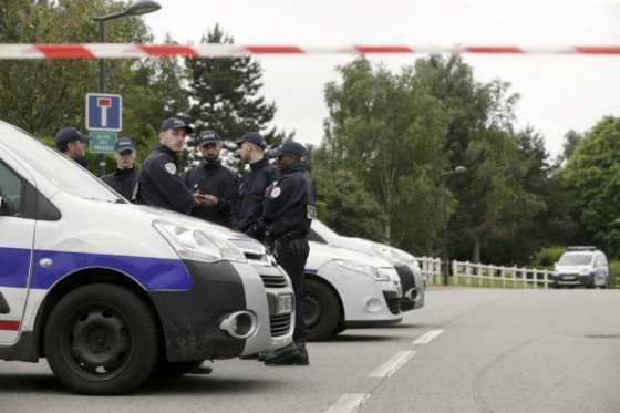 Asesino de policía en Francia prometió «convertir la Eurocopa en un cementerio»