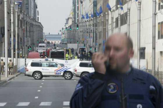 Hombre con falso cinturón de explosivos pone a Bruselas en estado de alerta