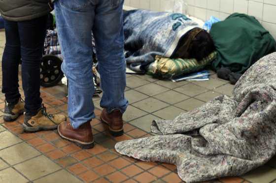 Sin hogar, pero con internet: el nuevo refugio de los sintecho en Nueva York