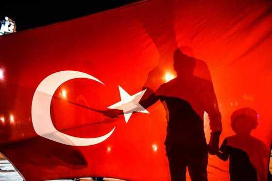 Erdogan decreta el arresto del militar que era su asistente personal