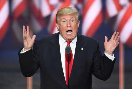 Cinco razones por las que Trump ganaría las elecciones de EE.UU., según Michael Moore