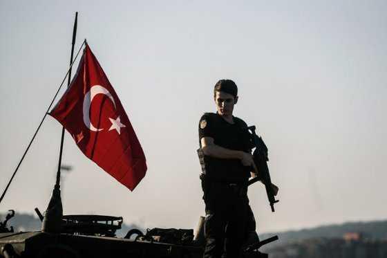 Turquía pone en libertad a 820 soldados encarcelados a raíz del fallido golpe