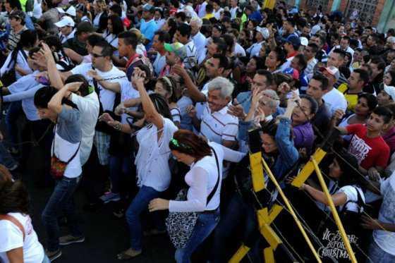 Productores venezolanos planean comprar insumos en frontera con Colombia