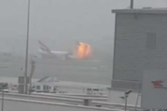 Cierran aeropuerto de Dubái tras accidente de avión de Emirates al aterrizar