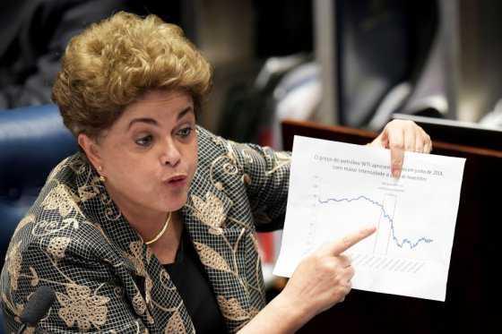 Defensa dice que Rousseff es «víctima» de una «elite política y económica»