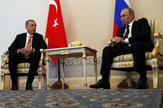 Erdogan agradece a Putin incondicional apoyo durante intento de golpe en Turquía