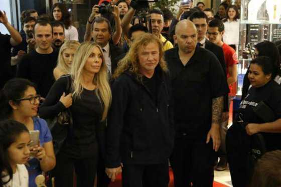 Cancelado concierto de Megadeth en Asunción porque fanáticos rompieron vallas de seguridad