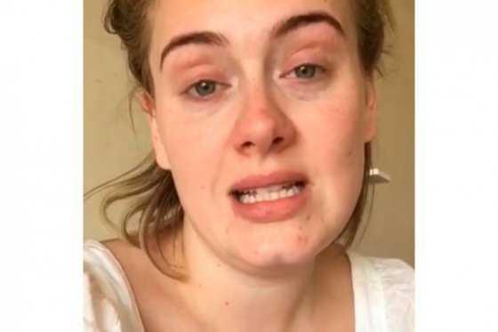 Adele se disculpa con sus fans por «haberlos decepcionado»