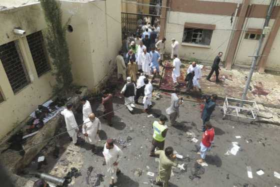 ONU califica de 'abominable' ataque contra hospital en Pakistán que dejó 69 muertos