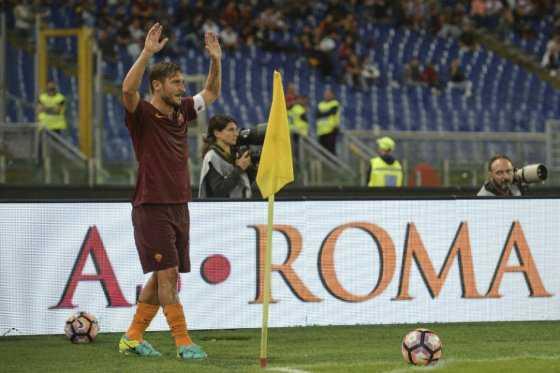 Francesco Totti, el eterno capitán de la Roma cumple 40 años