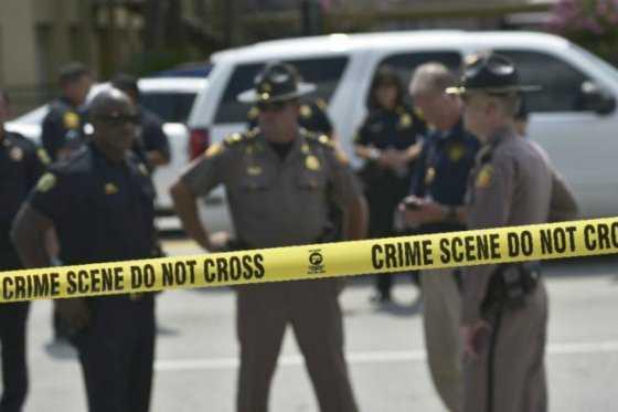 Un adulto muerto y dos niños heridos tras tiroteo en escuela de Carolina del Sur, EE.UU.