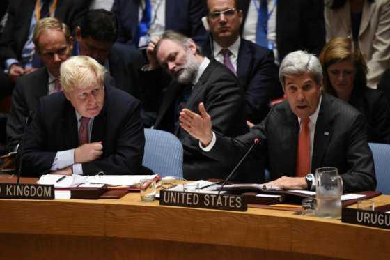 Boris Johnson, el primer político que señala a Rusia por el ataque a convoy en Siria