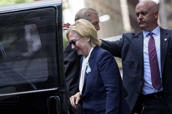 Por malestar, Hillary Clinton abandona ceremonia de conmemoración del 11-S