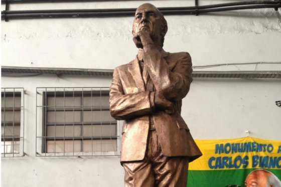 Boca Juniors inaugura estatua de Bianchi, técnico más ganador de su historia