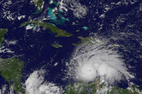 Jamaica, en «alerta máxima» ante el huracán Matthew