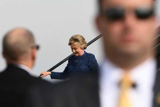 FBI retoma investigación sobre correos de Hillary Clinton