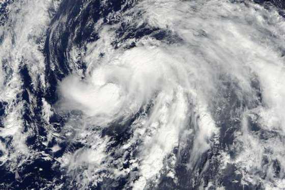 Huracán Nicole, de categoría 3, azota las islas Bermudas