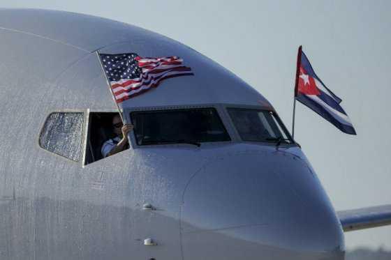 Primeros vuelos regulares llegan a La Habana desde Miami y Nueva York