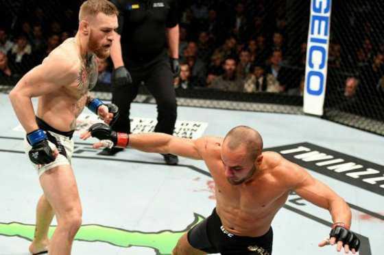 UFC 205: McGregor se convirtió en el primer peleador en tener dos cinturones de diferentes divisiones