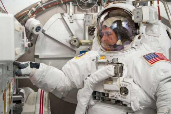 El astronauta estadounidense que votó desde el espacio