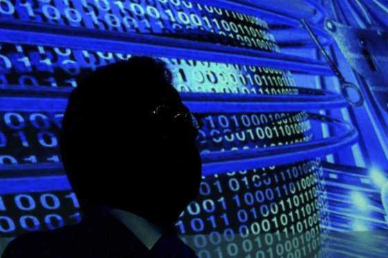 China aprueba ley para reforzar la vigilancia en internet