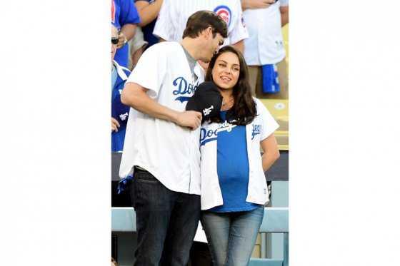Mila Kunis y Ashton Kutcher le dan la bienvenida a su segundo hijo