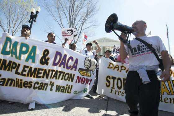 Jóvenes sin papeles, en el limbo migratorio hace casi 20 años en EE.UU.