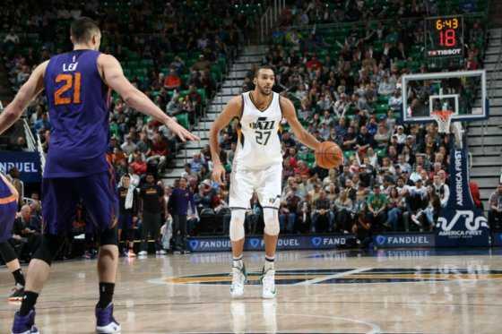 La fantástica volcada de espaldas en la NBA
