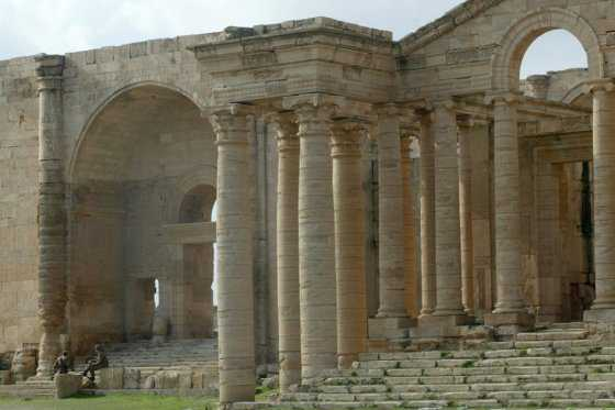 Francia donará 30 millones de dólares para proteger patrimonio cultural del mundo