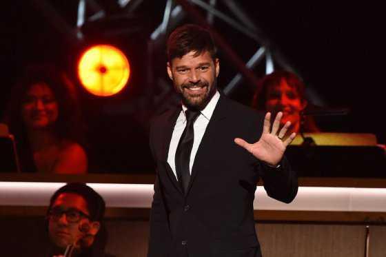 Padre de Ricky Martin sufre derrame cerebral y se encuentra en estado crítico