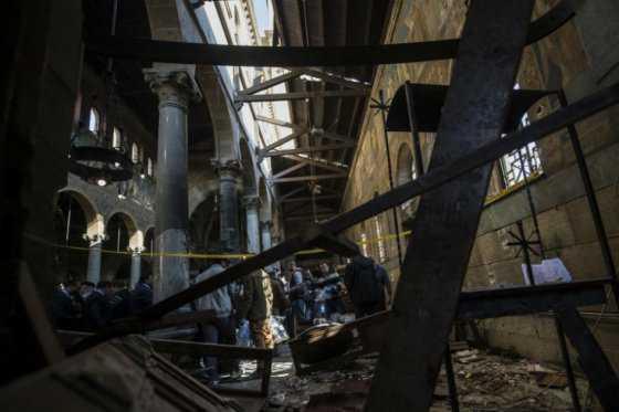 Al menos 25 muertos en atentado en una iglesia en El Cairo