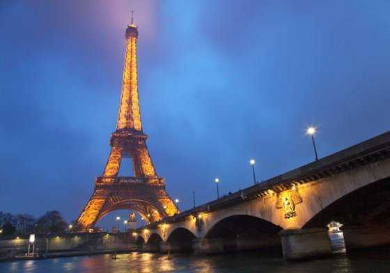 Torre Eiffel se apagará esta noche en apoyo de los habitantes de Alepo