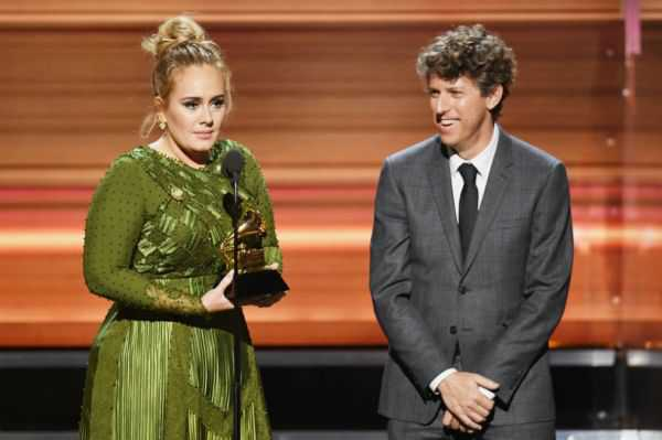 Adele arrasó en los Grammys