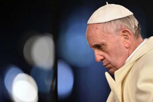 Papa garantiza «severidad extrema» con curas pederastas