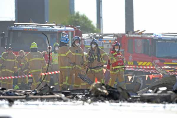 Una avioneta con cinco pasajeros se estrella en centro comercial de Melbourne, Australia