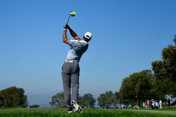 Tiger Woods, fuera de los campos por problemas en la espalda