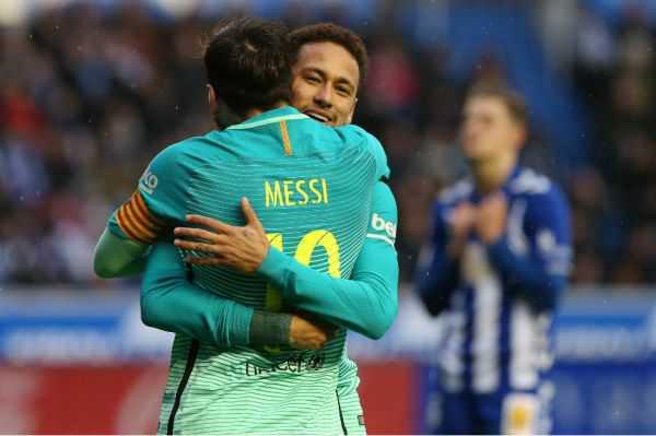 Barcelona golea 6-0 al Alavés que contó con Daniel Torres