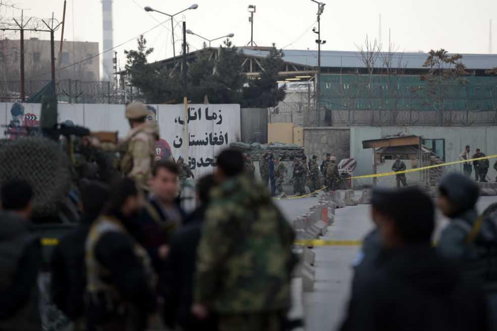Serían al menos 40 los muertos por ataque al hospital militar de Kabul
