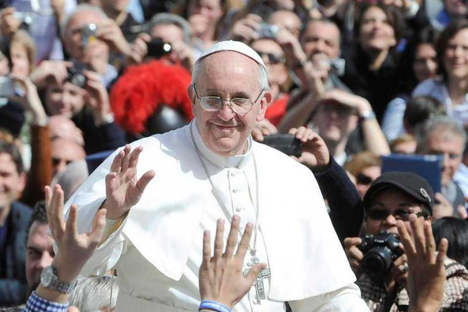 Papa Francisco confirma su visita a Colombia en 2017