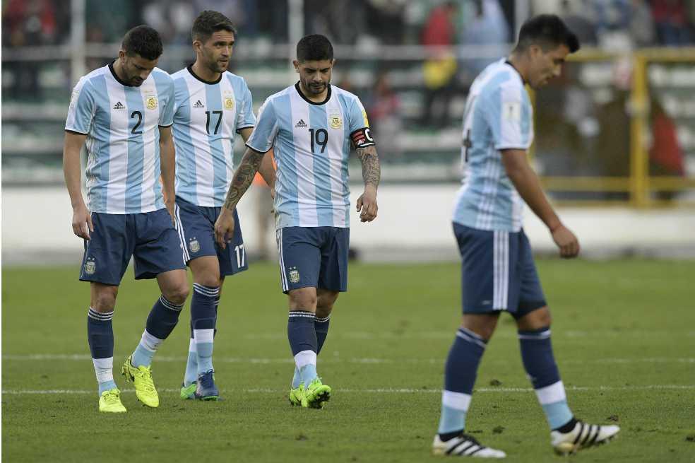 Para los argentinos, Agüero, Higuaín, Di María y Lavezzi no deberían seguir en la selección