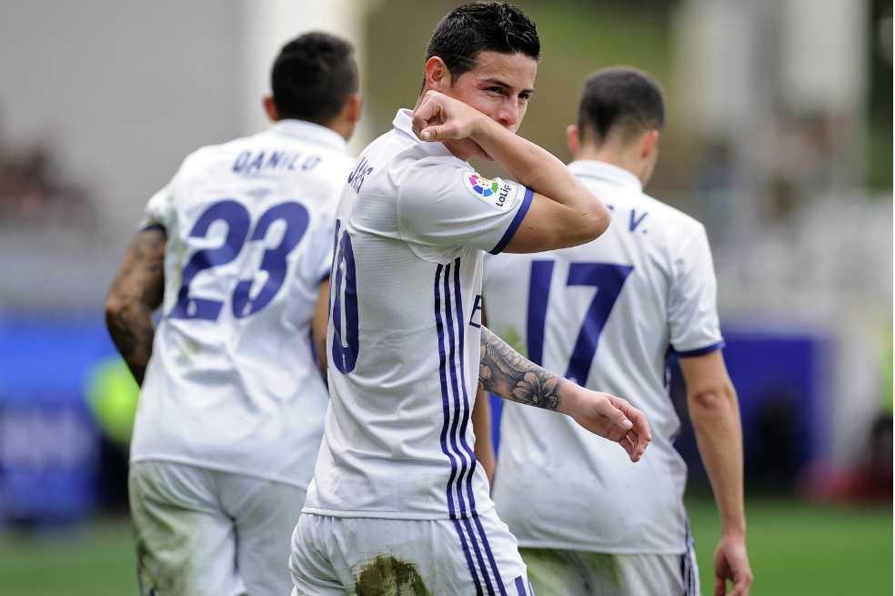 James, titular con el Real Madrid frente al Eibar, marca gol
