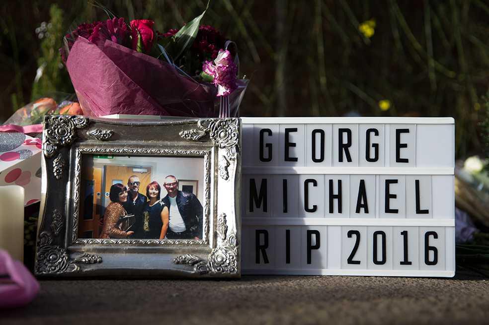 Tres meses después de su muerte, George Michael fue enterrado
