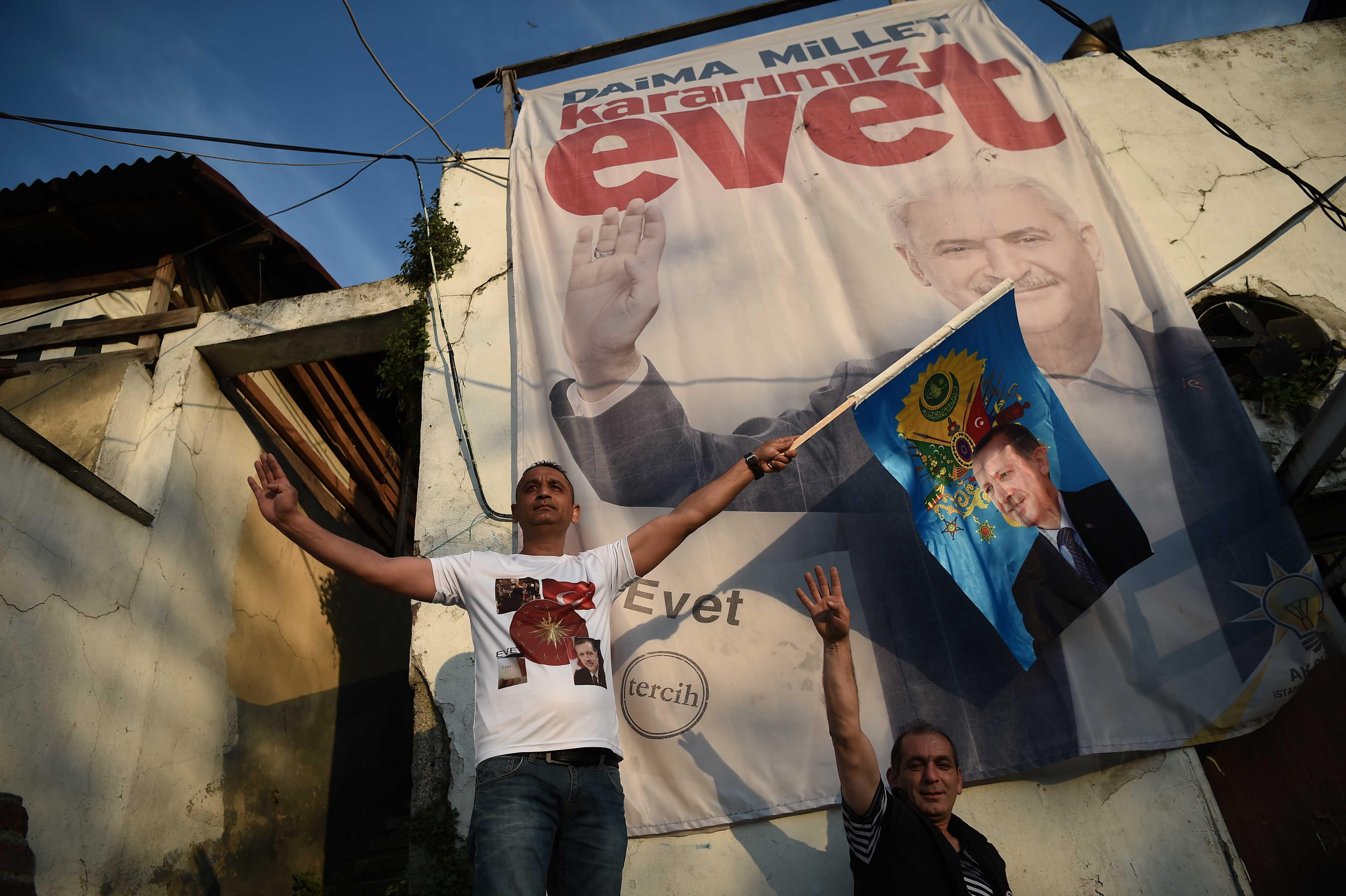 El sí va adelante en el referendo turco, de ser así el poder de Erdogan se ampliará