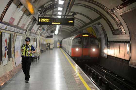 Quince años de cárcel para estudiante que colocó bomba en metro de Londres