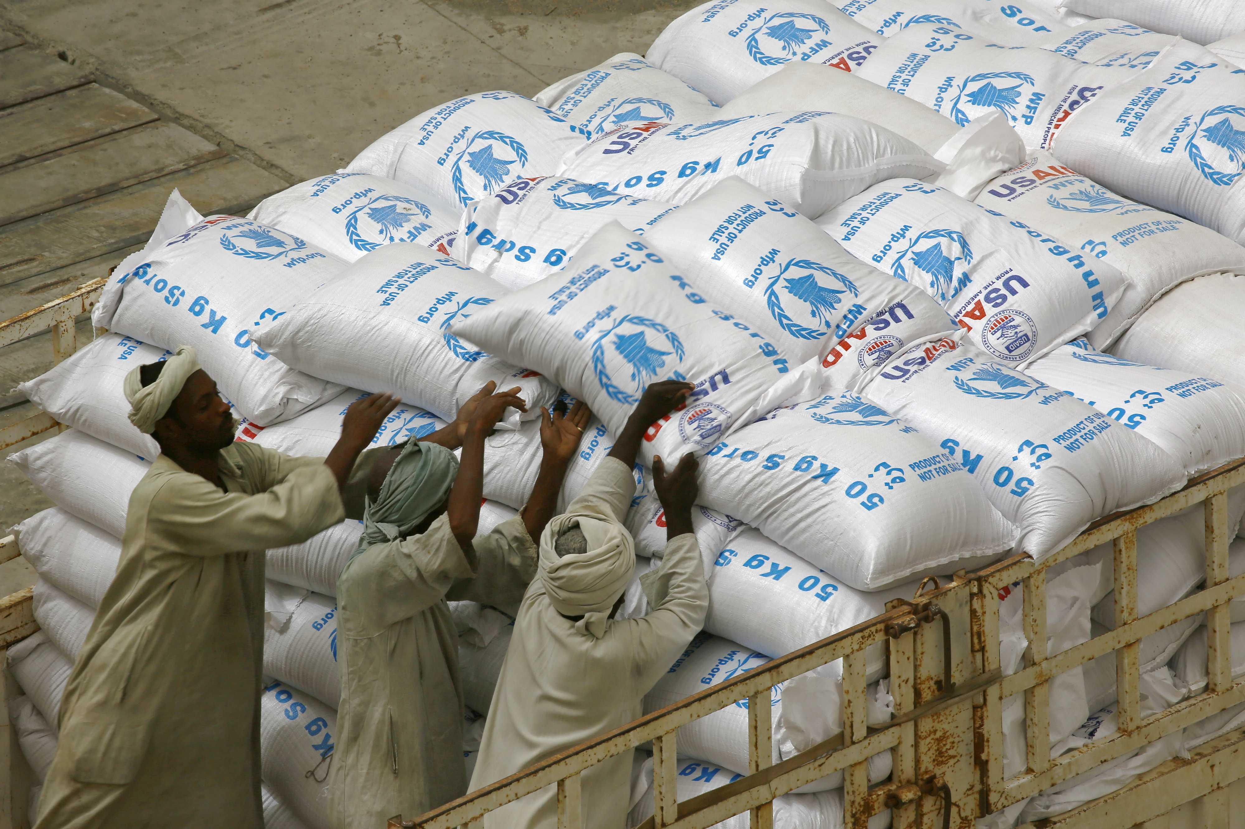 Trump informa al papa que EE. UU. donará 300 millones de dólares para la hambruna en África