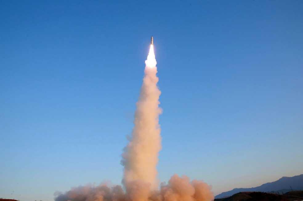 Nuevo misil norcoreano sería capaz de alcanzar bases de EE.UU.