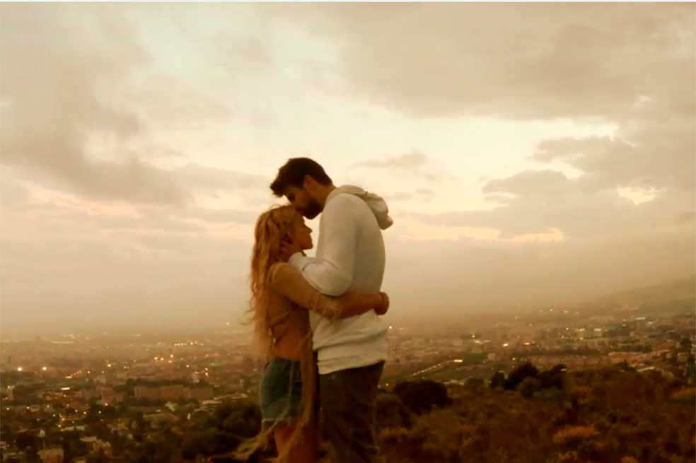 Piqué protagoniza nuevo video de Shakira
