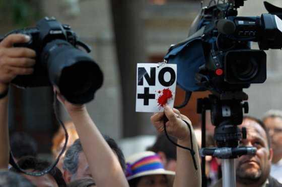 México: un centenar de presuntos narcos asalta a periodistas