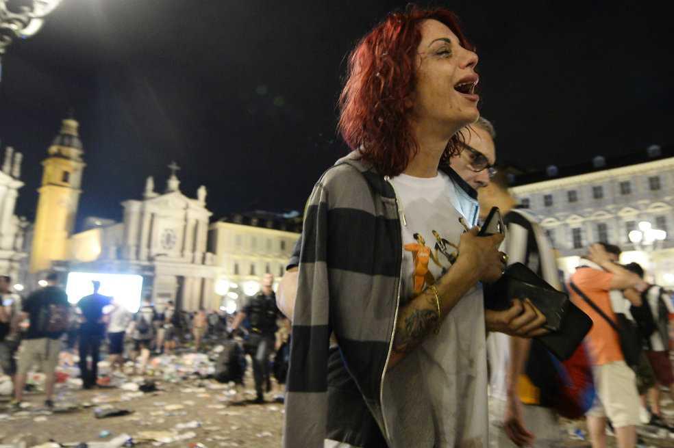 Estampida de hinchas de Juventus provoca 200 heridos en Turín